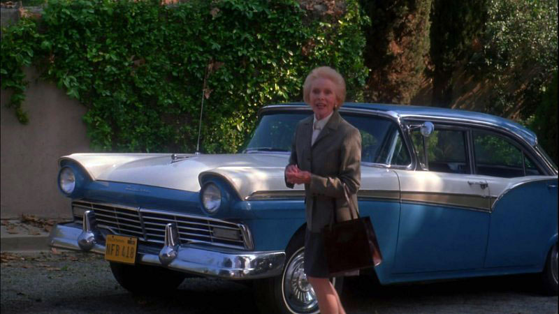 look its janet leigh with the car from psycho - Halloween The Beginning Full Movie