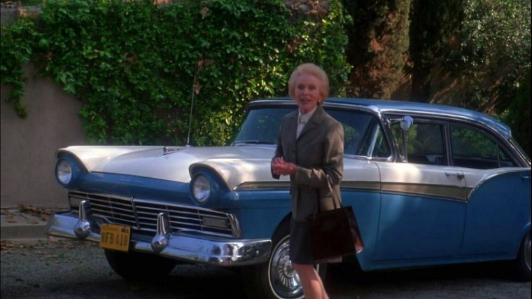Look! It's Janet Leigh with the car from Psycho!