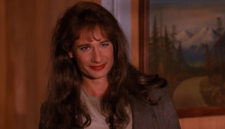 Hello there pretty lady, how'd you like to OH CHRIST IT'S MULDER