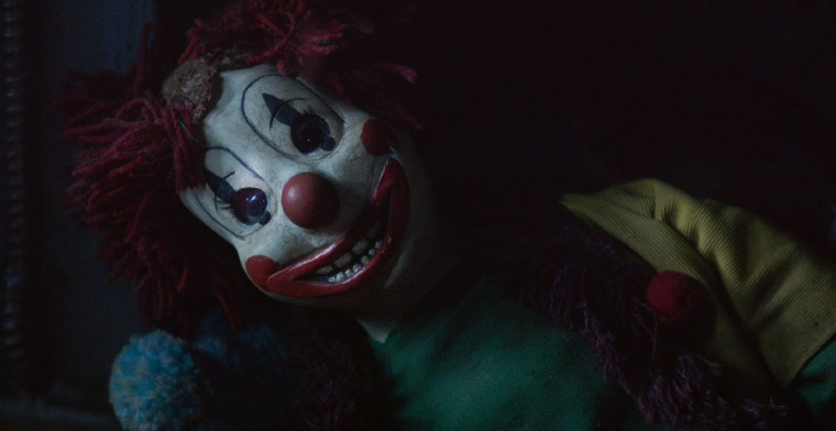 Even the clown scene fucks it a bit
